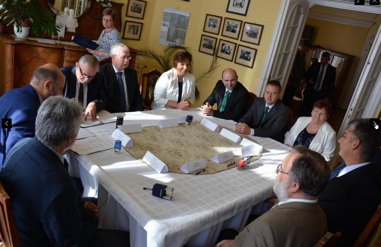 Partnerségi együttműködési megállapodást kötöttek az agrárgazdaság Jász-Nagykun-Szolnok megyei fejlesztésére.